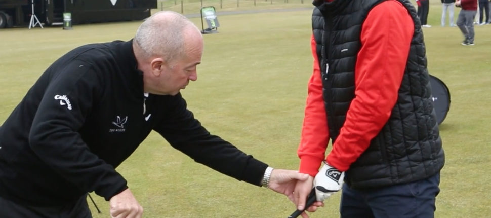 Stop hooking the ball with a weaker grip - bunkered.co.uk