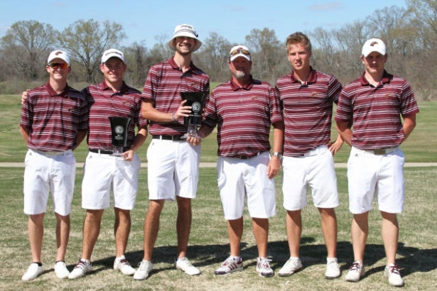 The UHI BUCS golf team.