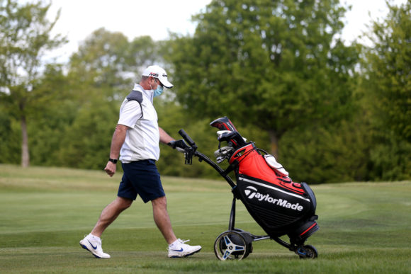 Golf Resumes In England Main