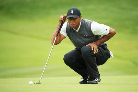 Tiger Woods Putting Aim