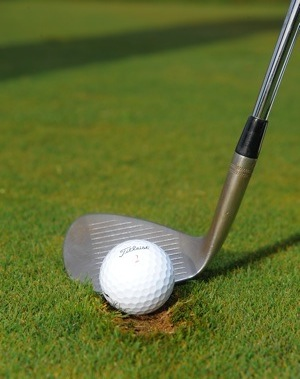 Chipping out of a divot made easy