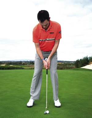 Learn to putt the Mickelson way