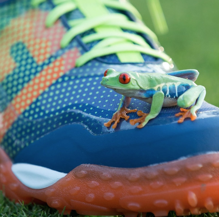 FootJoy's FreeStyle 'inspired by frogs'