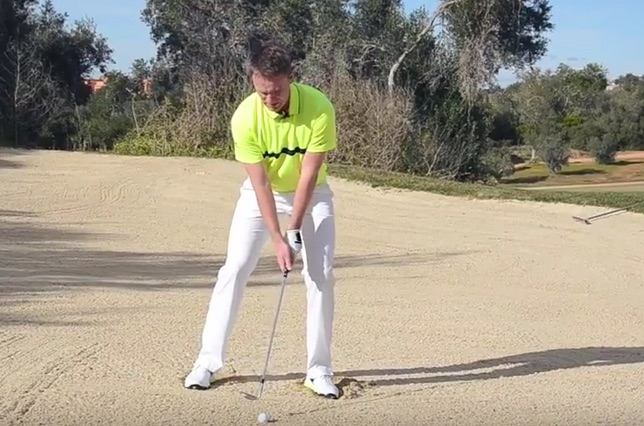 Golf Tips: How to escape greenside bunkers